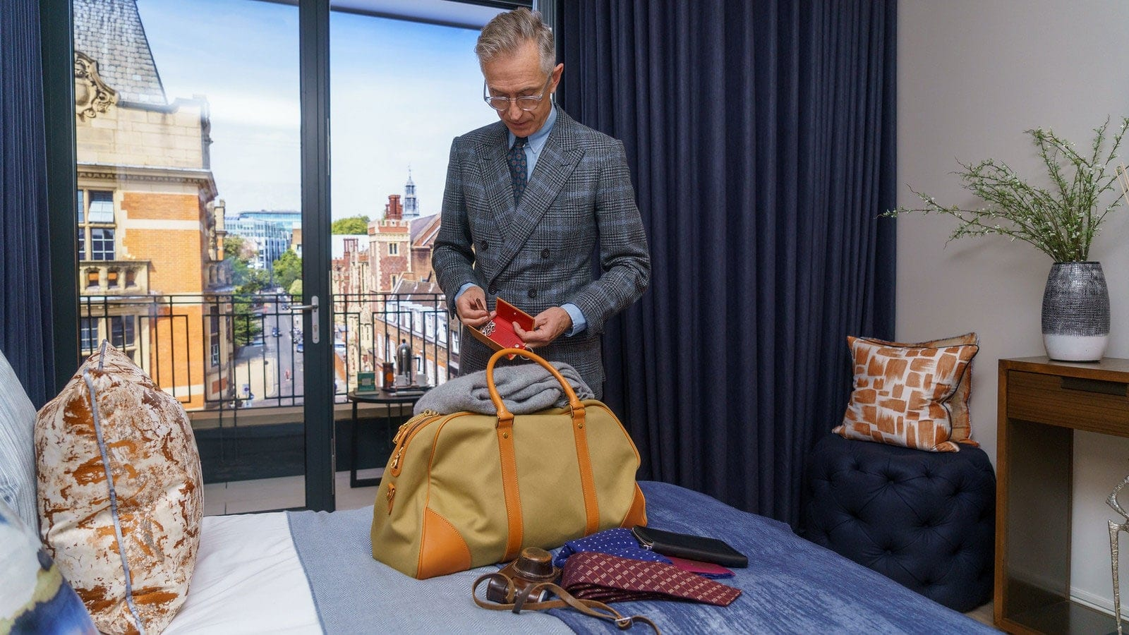 Mens Mountbatten holdall styled for gentlemen
